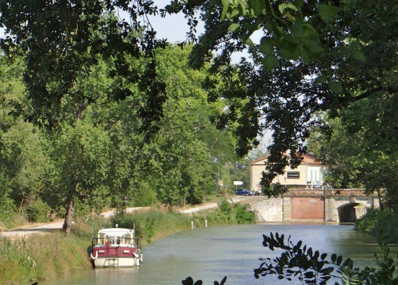 Canal Midi Puente del canal Gardouch © Lauragais Tourisme