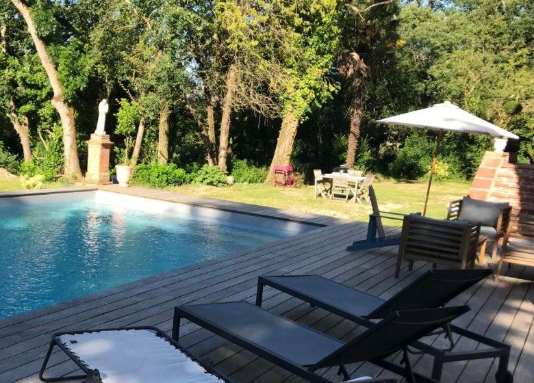 Domaine de Montgay pool