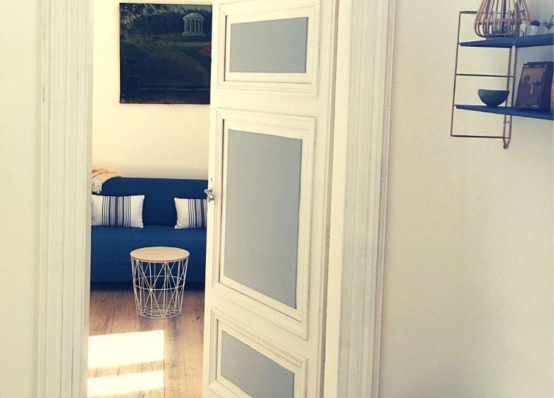 Suite Domaine de Montgay N ° 7 Sala de estar SDB