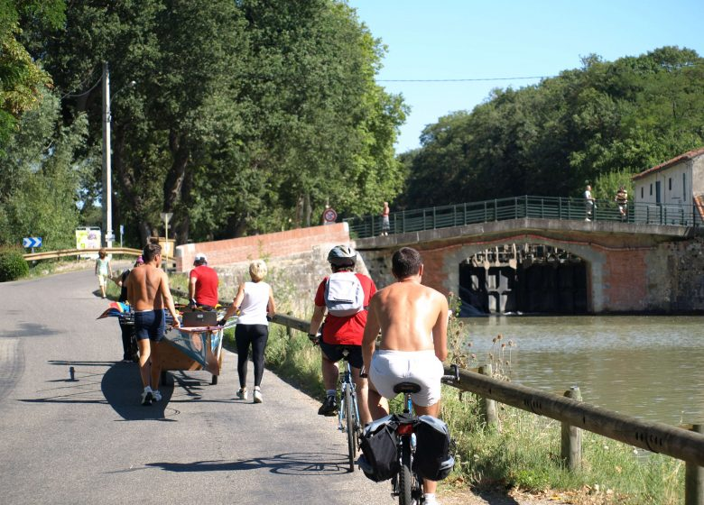 Renneville Canal Midi bikes © Lauragais Tourisme